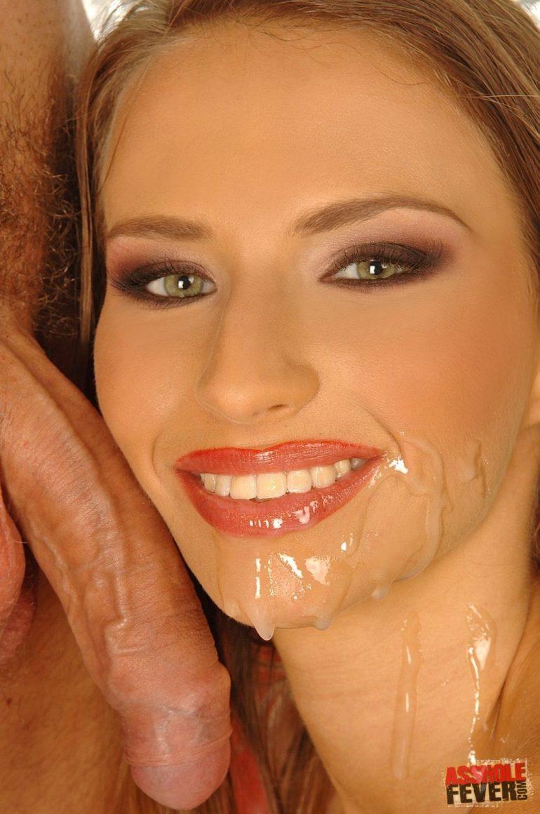 Лицо красивой девушки забрызганое спермой